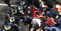 Mais de 200 são detidos em protesto contra o confinamento em Melbourne, na Austrália